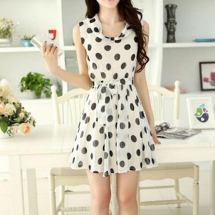 Chic Polka Dots Dress With Bow Belt..