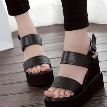 Cute And Comfortable Peep Toe Sanda..