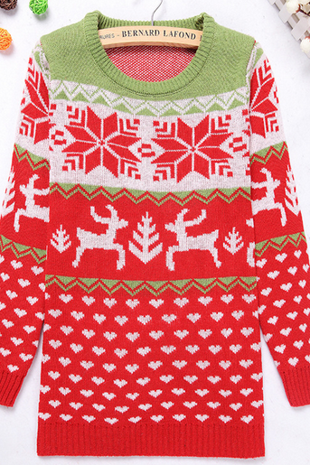 Round collar reindeer knitting a sweater