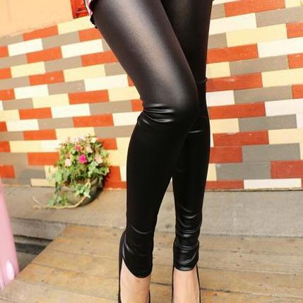 Chic Faux Leather Leggings